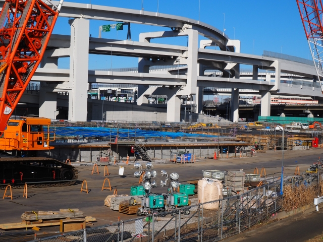大規模なゼネコンの建設現場